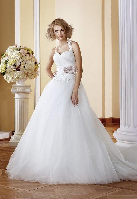 Die Farben von Brautkleidern
