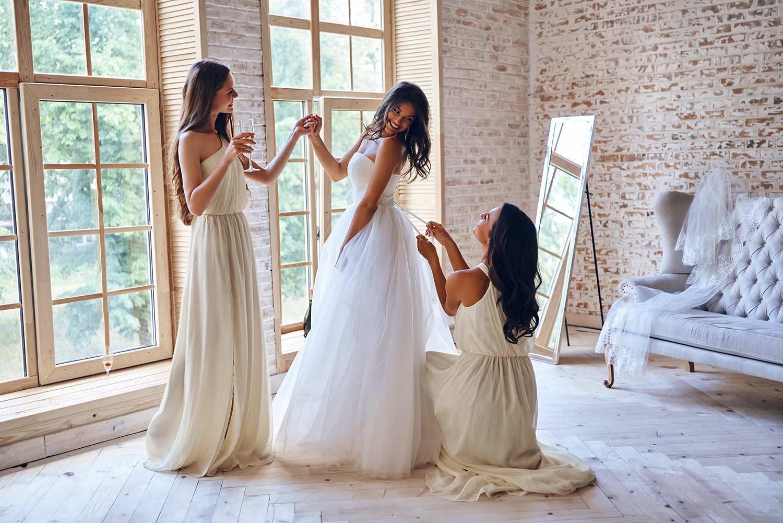 Welche, der 13 typischen Brautkleid Formen passt zu meiner Figur?