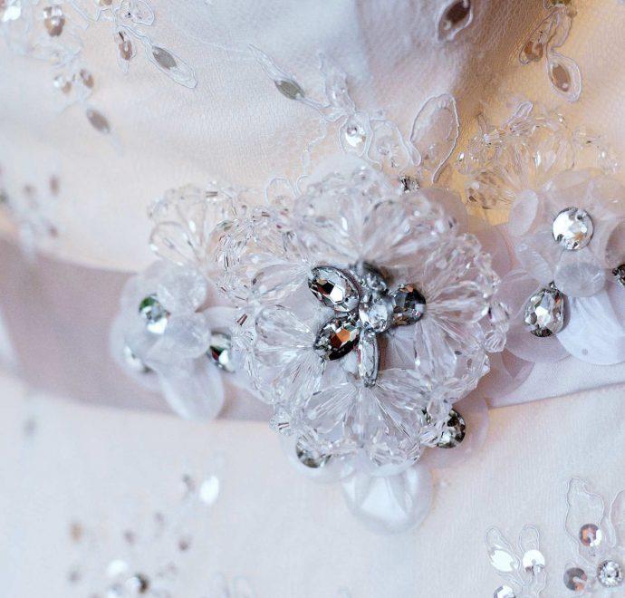 Brautkleidstoffe Verzierungen