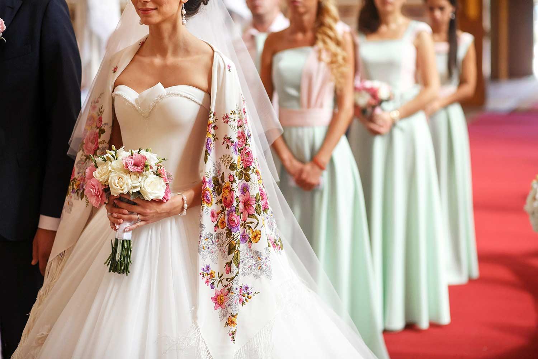 Hochzeit kirche schulterfrei