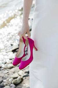 pinke Schuhe zum Noni Eva Brautkleid