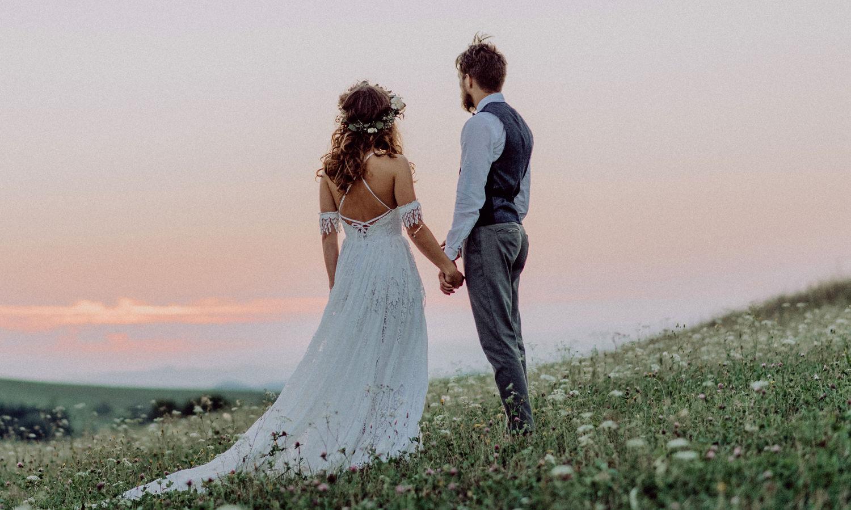 Das Richtige Sommer Brautkleid: luftig, fröhlich, erfrischend