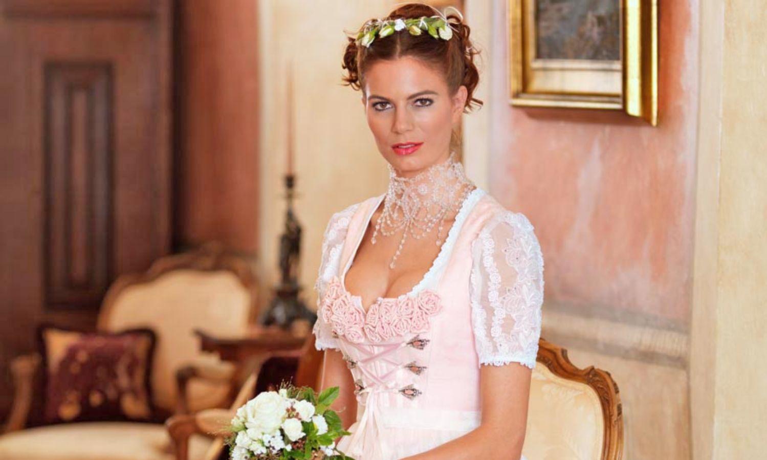 Hochzeitsdirndl Tipps Und Infos Zu Dem Brautdirndl Trend