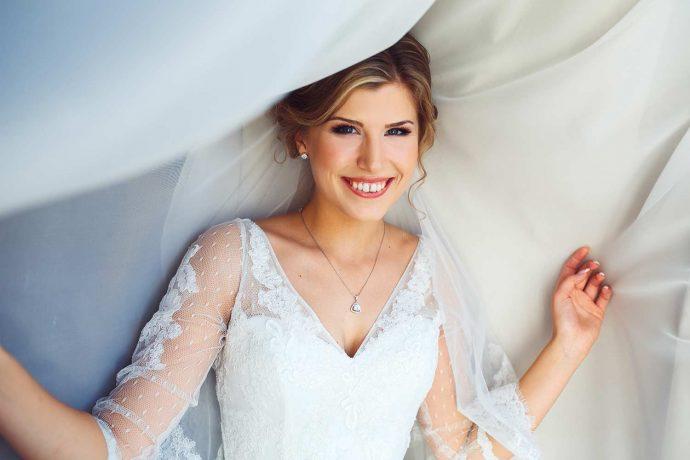 Der zeitlose und wundersch ne klassiker das brautkleid for Brautschleier ivory einlagig